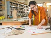 ファッション業界は最初に流行の色を決めているという雑学