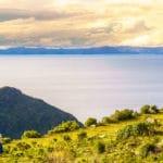 世界で一番高いところにある湖は「チチカカ湖」という雑学