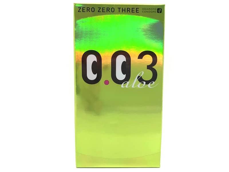 「オカモトゼロゼロスリー 0.03ミリ アロエ」の箱(表)