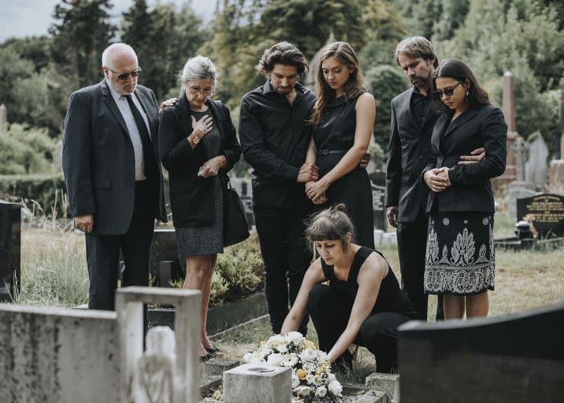 アメリカでは土葬が多いという雑学