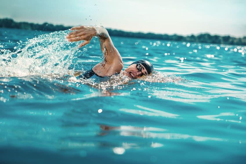 水泳競技が海や川で行われた歴史に関する雑学まとめ
