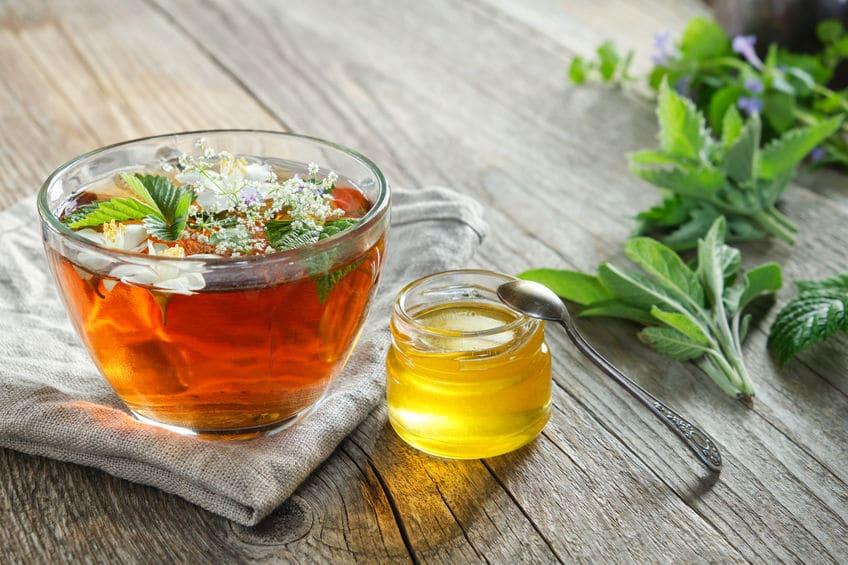 ロシアでははちみつを舐めながら紅茶を飲むことがあるという雑学