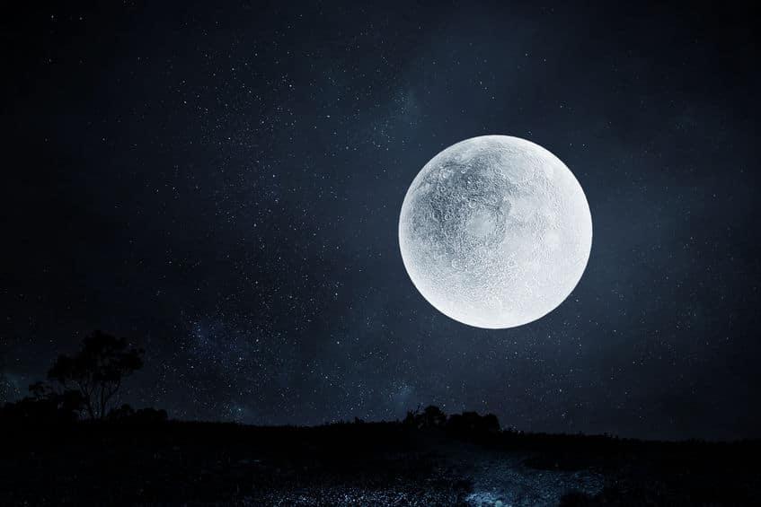 月面でゴルフをした宇宙飛行士がいたという雑学
