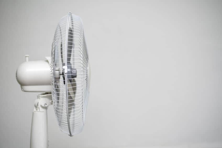 扇風機を一晩中つけるというトリビア