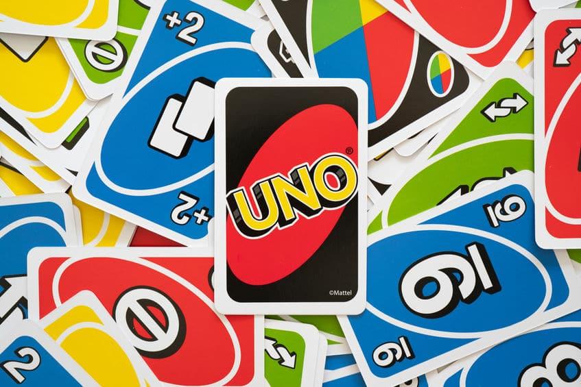 「UNO」公式ルールではドロー2やドロー4を重ねることはできないという雑学