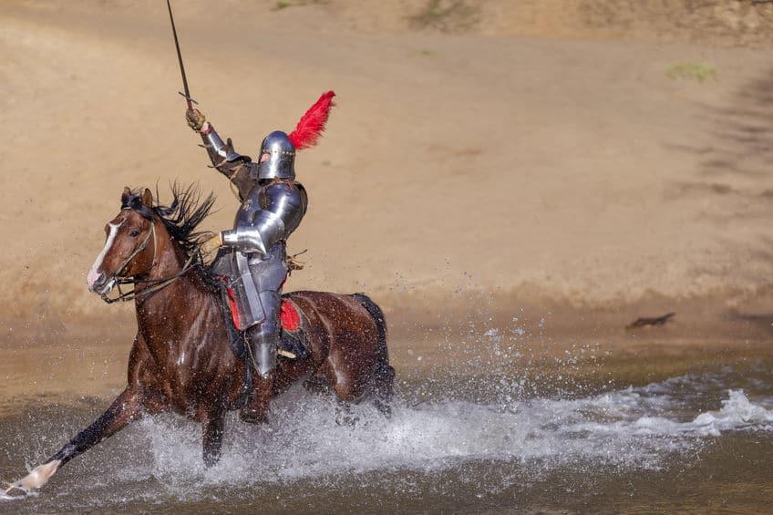 鎧をつけて馬上で戦闘するのは不可能であるという雑学