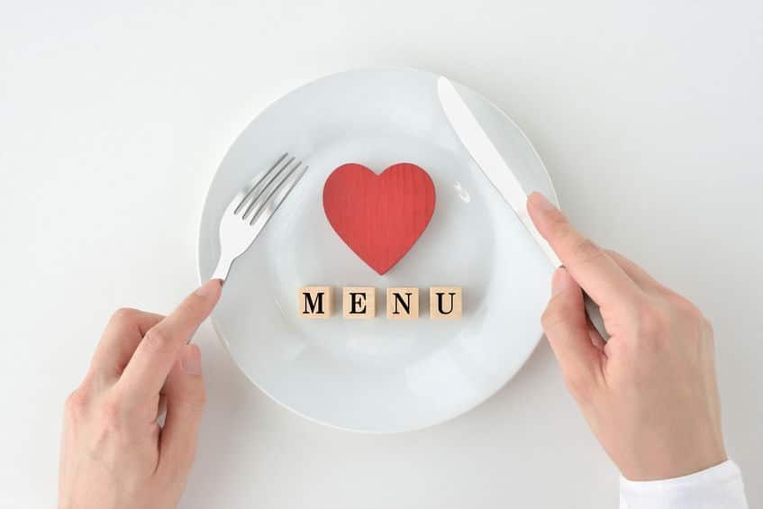 給食は毎日味見されているという雑学