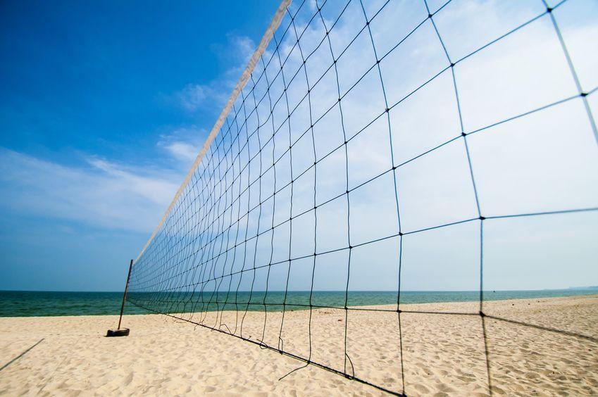 バレーボールもビーチバレーもネットの高さは同じという雑学