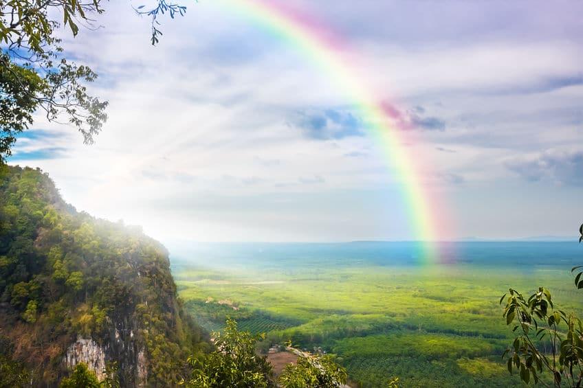 「虹が七色」という説は、音楽が関係していた!?というトリビア