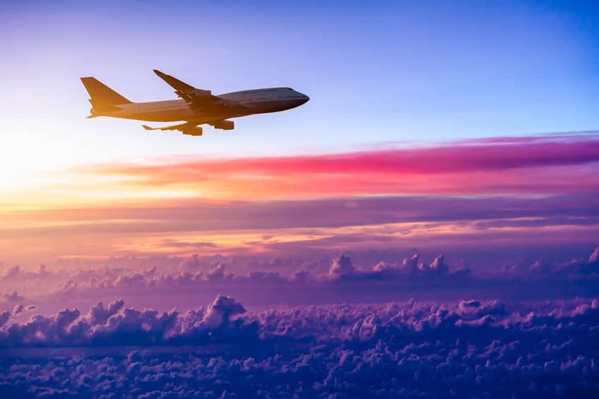 飛行機で月まで行ったら28日かかるという雑学