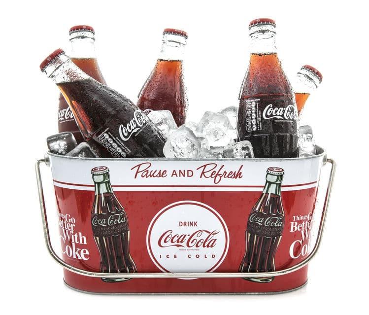 赤服と白ひげのサンタクロースはコカ・コーラが生み出したという雑学