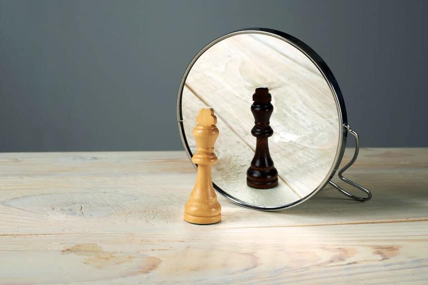 ハンス王子のモチーフは「鏡」というトリビア