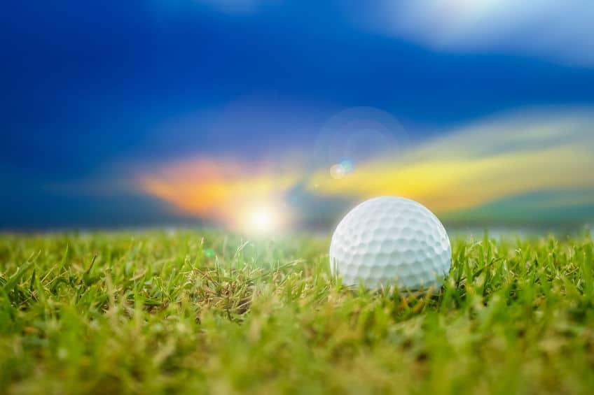 月面でゴルフをしたところボールは置き去りになったという雑学