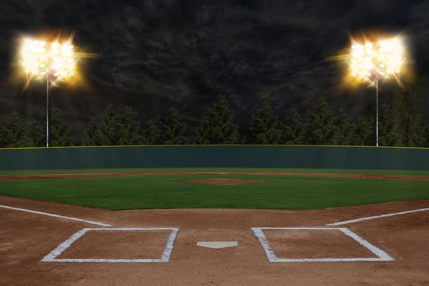 野球の始球式で打者が空振りする慣習は日本から広まったという雑学