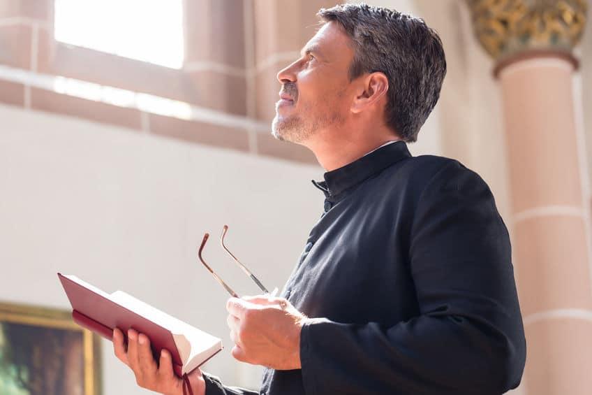 神父と牧師の違いについての雑学