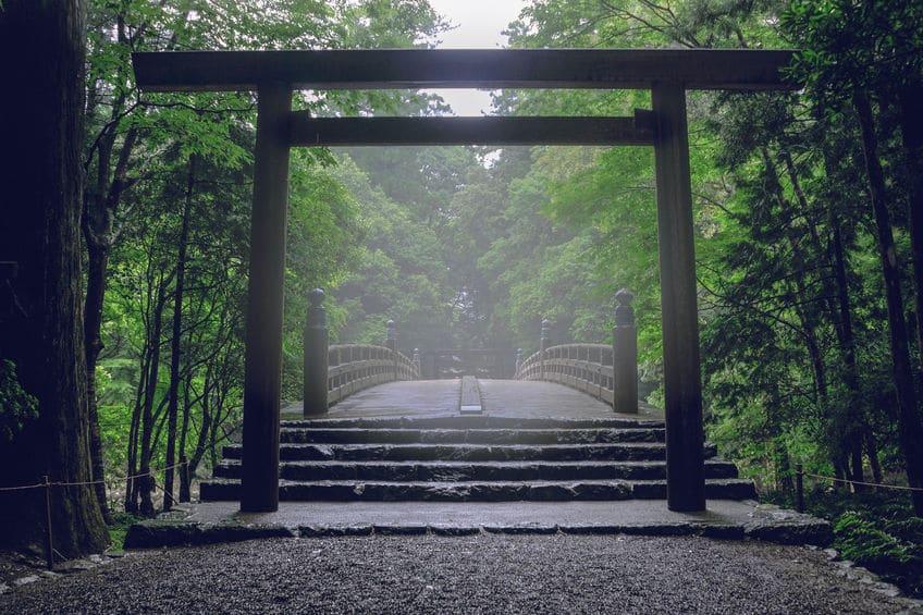 日本一古い灯台は住吉大社の「住吉高灯篭」という雑学