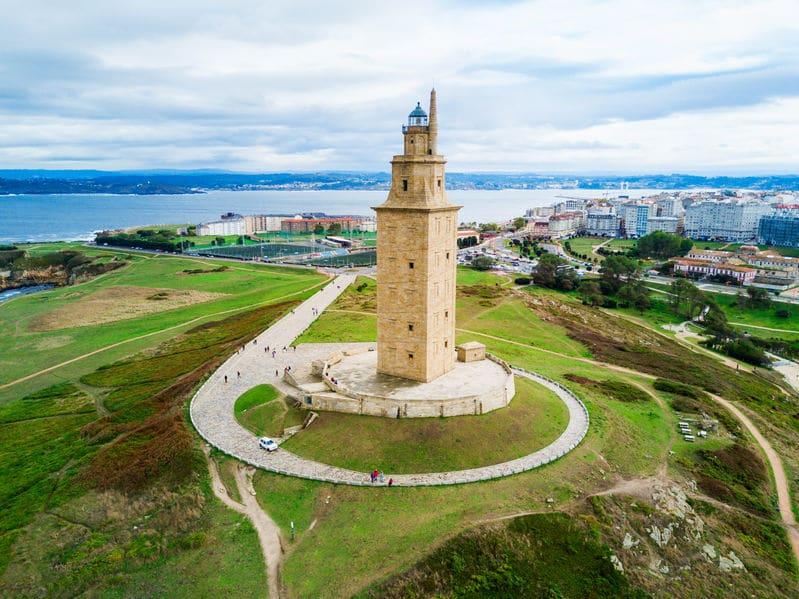 現存する最古の灯台「ヘラクレスの塔」に関する雑学